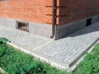 Отмостка – защита фундамента от влаги при строительстве дома